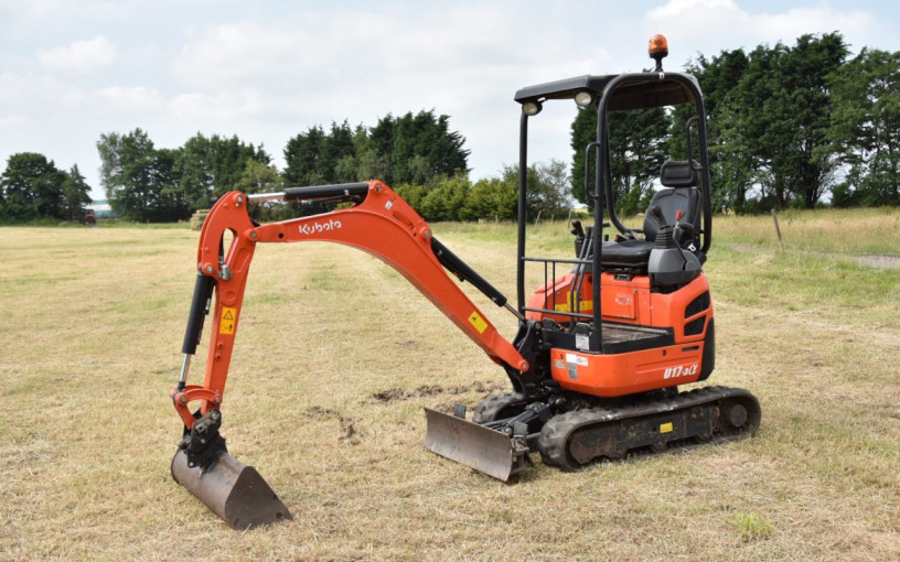 Mini Digger hire from £80 per day! image 5